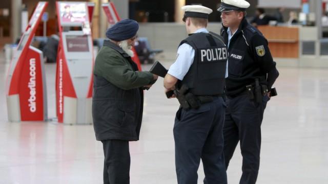 Polizei-Kontrolle auf Flughafen Hamburg