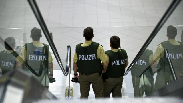 Erhoehte Sicherheitsvorkehrungen auf dem Flughafen Leipzig/Halle