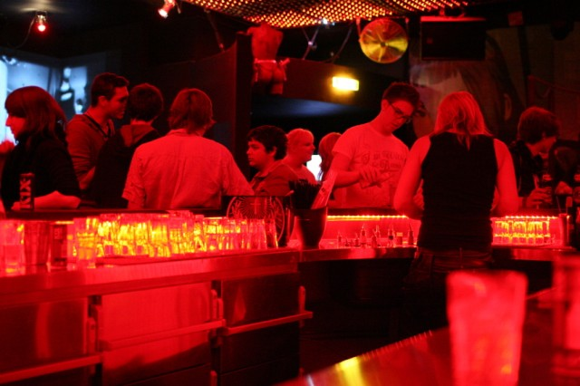 8below Club München