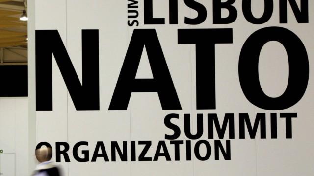 Kinderdienst: Politiker vieler Laender treffen sich in Lissabon