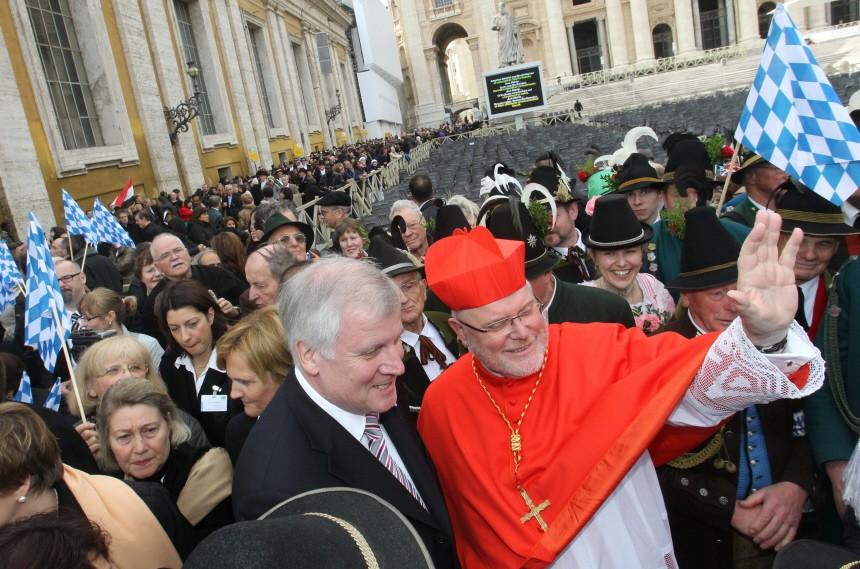 Kardinal Marx von bayerischen Pilgern begrüßt