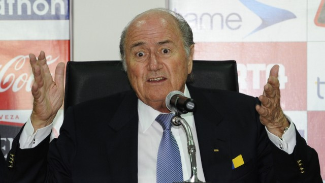 Fifa: Korruptionsvorwürfe: Er predigt die Nulltoleranz seiner Fifa in der Korruptionsbekämpfung - doch wer glaubt ihm noch? Fifa-Präsident Joseph Blatter.