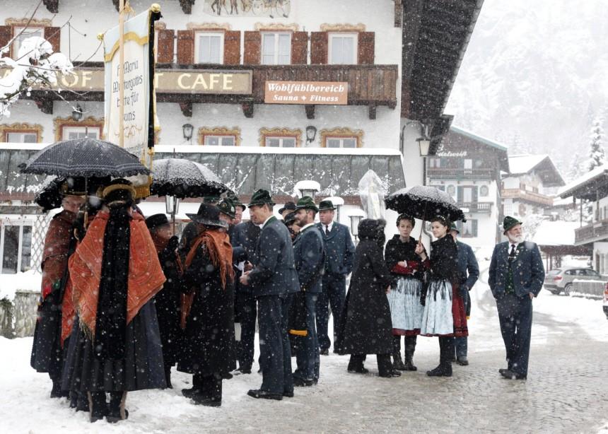 Beerdigung von Maria Hellwig