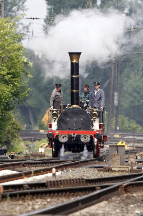 Lokomotive 'Adler' faehrt nach Fuerth