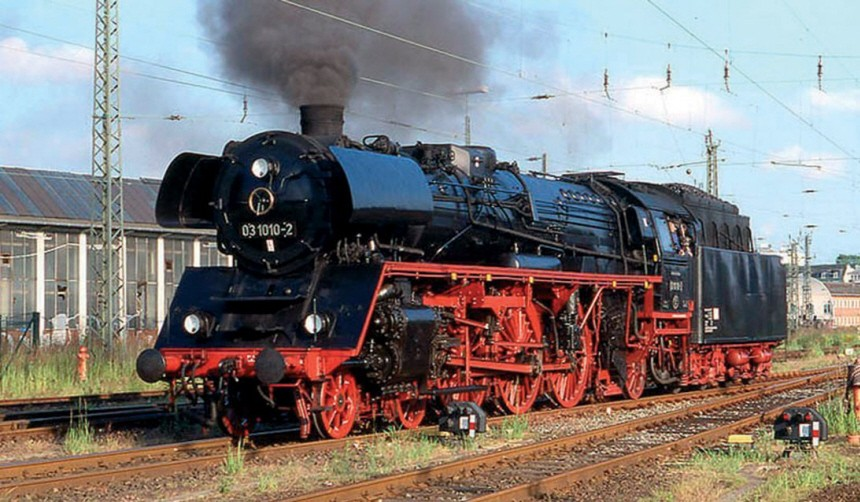 Schnellzug-Dampflok 03 1010 fit für Nostalgiefahrten