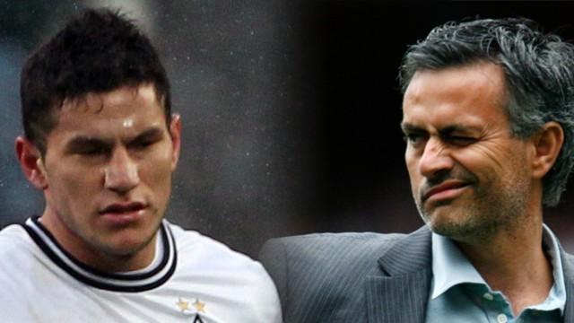 Jose Mourinho, Jose Bobadilla