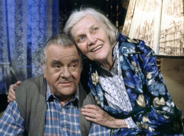 Wolfgang Grönebaum und Annemarie Wendl als Egon und Else Kling aus der Lindenstraße, 1998