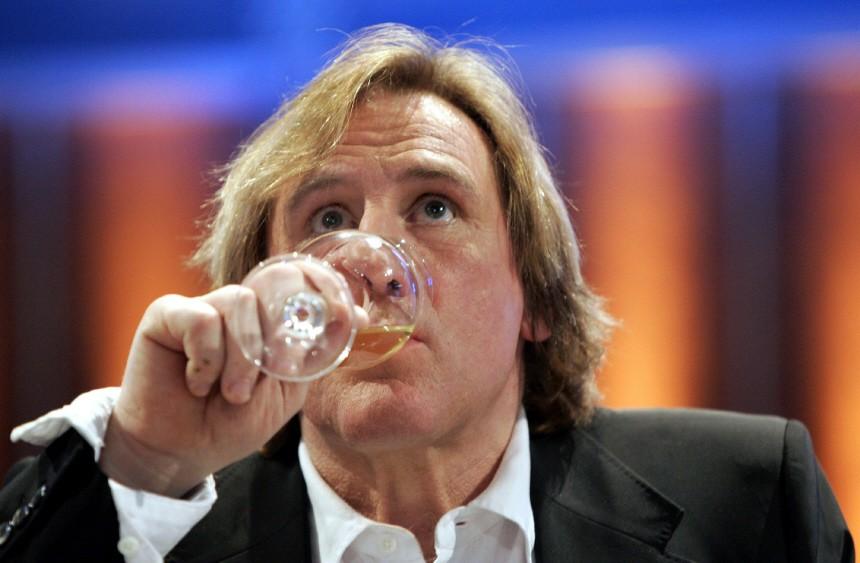 Depardieu: Ich bin trocken - nicht betrunken im BBC