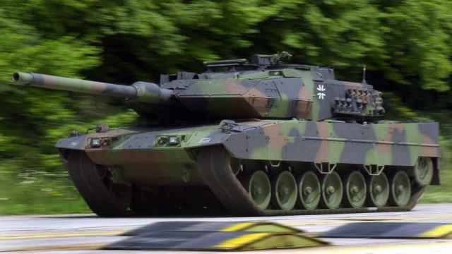 Leopard 2 A6 EX, 2002