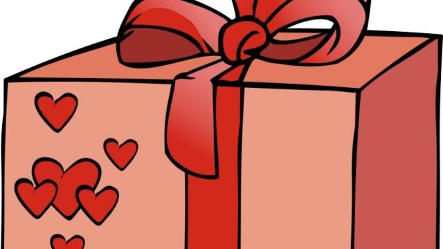 Ein Plädoyer für Weihnachtspäckchen: Warum man dem Schenken keinesfalls abschwören sollte: Es gibt ja, rein theoretisch, auch die Möglichkeit was richtig Gutes abzugreifen.