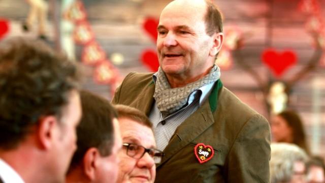 Sepp Krätz: Sepp Krätz wollte sich am Montag zu den Ermittlungen in seinem Restaurant nicht äußern.