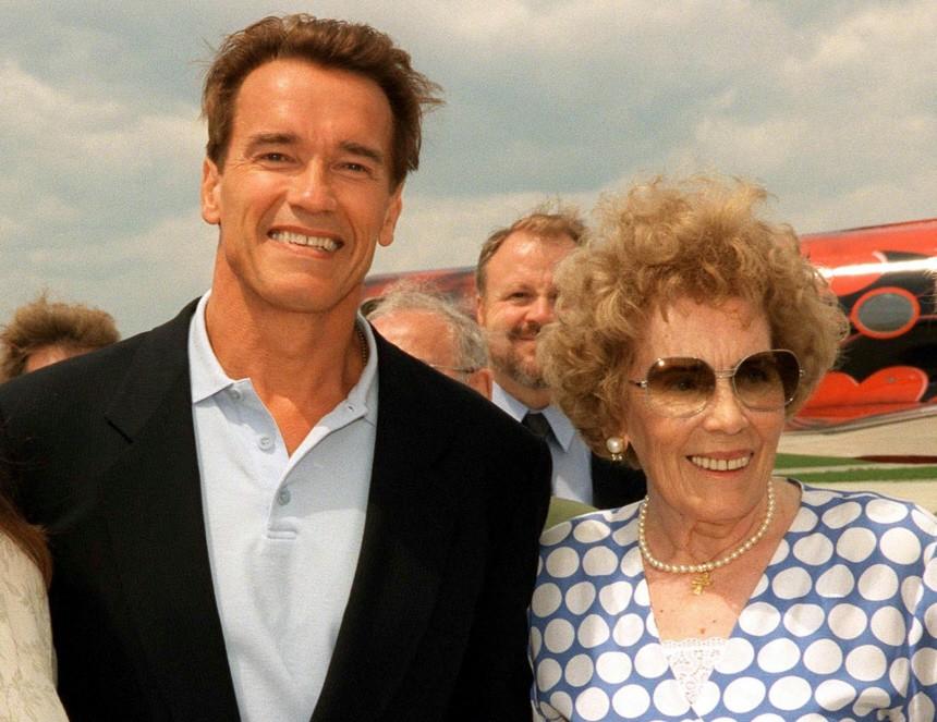 FILE PHOTO OF ARNOLD SCHWARZENEGGER WITH HIS MOTHER AURELIA