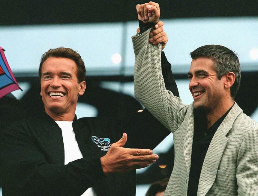 Arnold Schwarzenegger und George Clooney bei einem Pressetermin in Graz