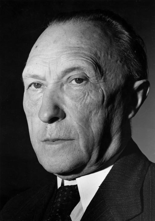 Konrad Adenauer, 1949