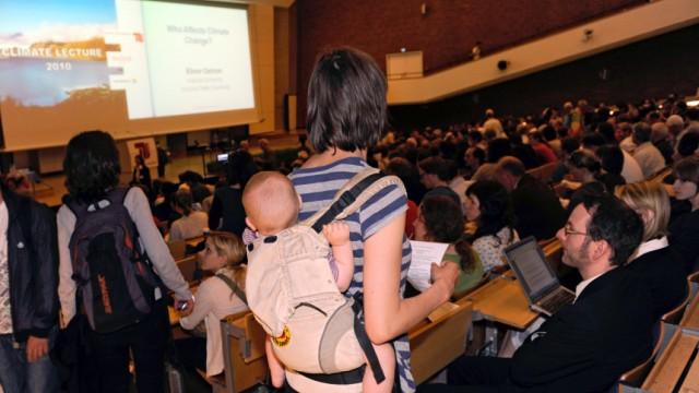 Studieren mit Kind erfordert viel Organisationstalent
