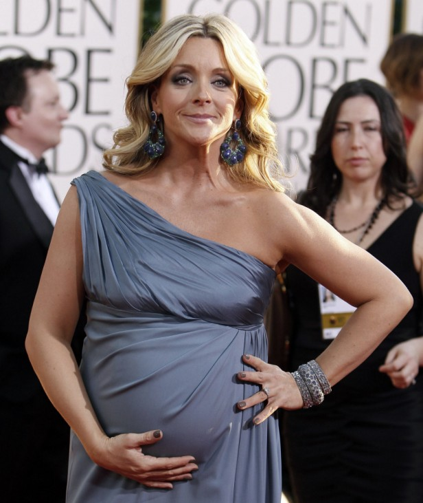 Actress Jane Krakowski, who is pregnant, arrives at the 68th annual Golden Globes Awards in Beverly Hills