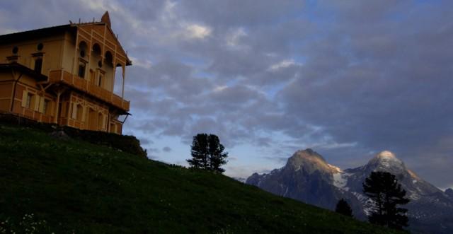 Sonnenaufgang beim Königshaus am Schachen