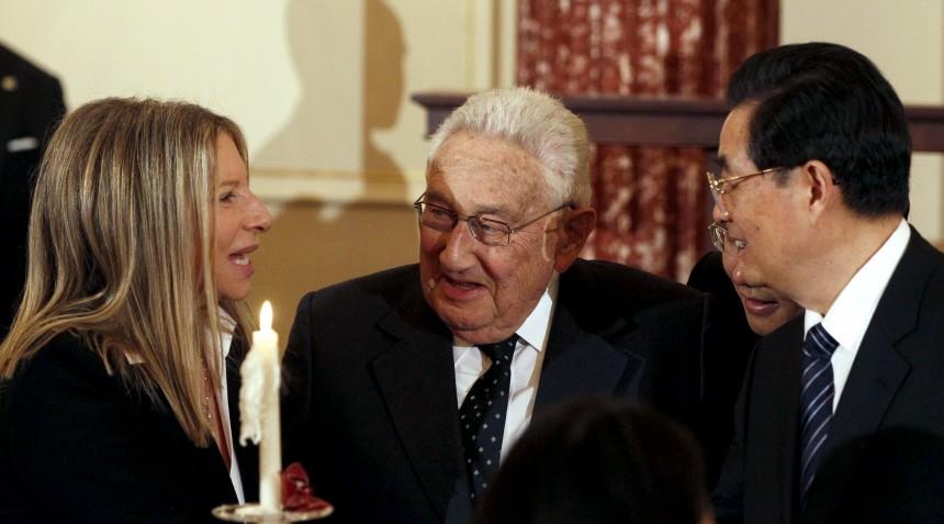 Singer Barbra Streisand talks with Chinese President Hu Jintao at State Department in Washington