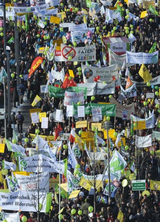 Tausende demonstrieren in Berlin fuer Oeko-Landwirtschaft