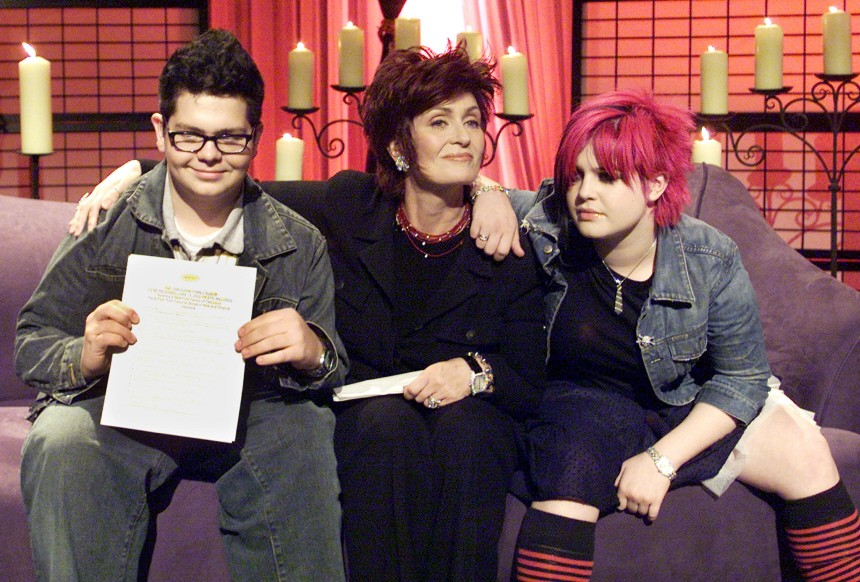 MEMBERS OF THE OSBOURNE FAMILY POSE FOR PHOTOGRAPHERS