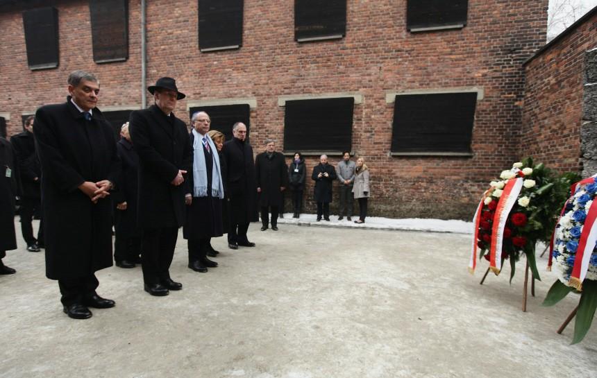 Wulff Attends Auschwitz Holocaust Commemoration