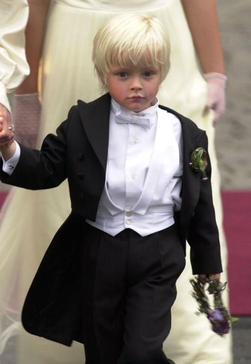 Hochzeit des norwegischen Kronprinzen Haakon mit Mette-Marit, Mette-Marits Sohn Marius, 2001