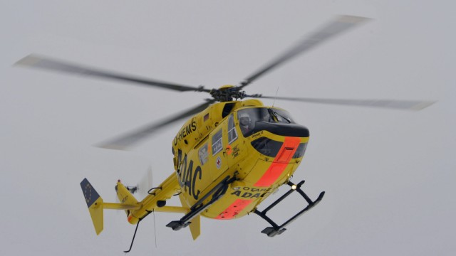 Erste Pilotin des ADAC fliegt Ingolstädter Rettungshubschrauber Christoph 32