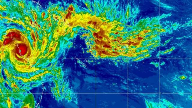 Queenslanders Brace For Cyclone Yasi