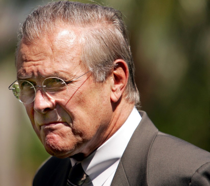 US Secratary of Defense Rumsfeld leaves photo shoot at conference in Florida