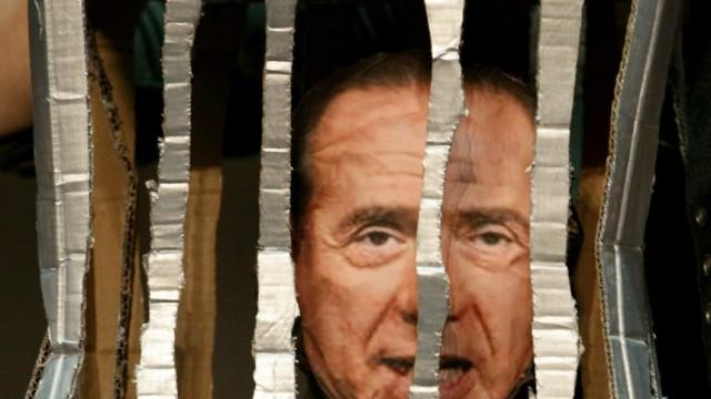 Journalists, Authors And Personalities Call For Silvio Berlusconi Resignation