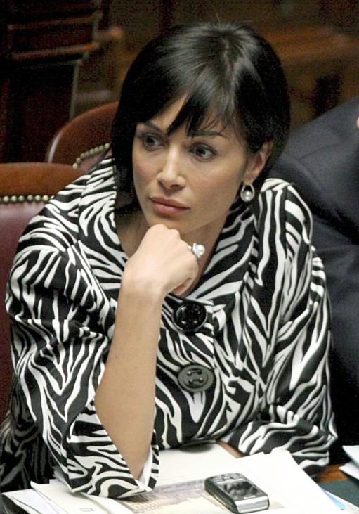 Kurvenreiches in Berlusconis Rampenlicht - Ex-Showgirl Mara Carfagna