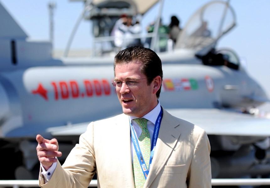 Verteidigungsminister Guttenberg in Indien