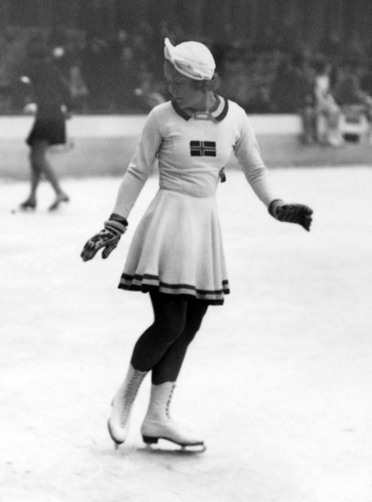 OLY-WINTER-1936-FIGURE SKATING-SONJA HENIE