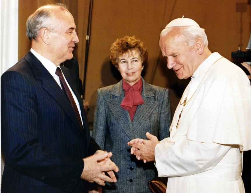 GORBACIEV POPE JOHN PAUL II