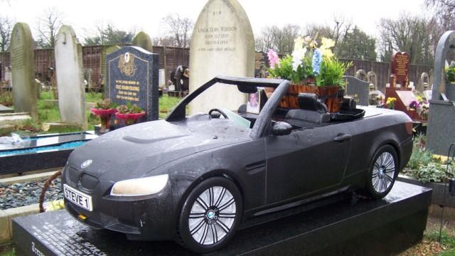 Bestattung auf Britisch - Cabrio statt Kreuz