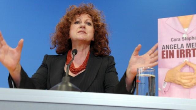Buchvorstellung 'Angela Merkel. Ein Irrtum'