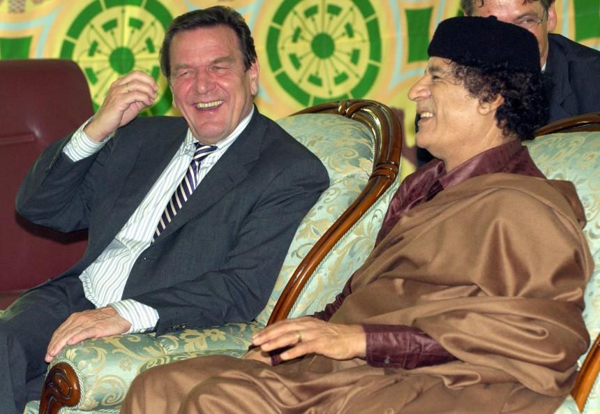 Gerhard Schröder, Muammar al-Gaddafi, 2004