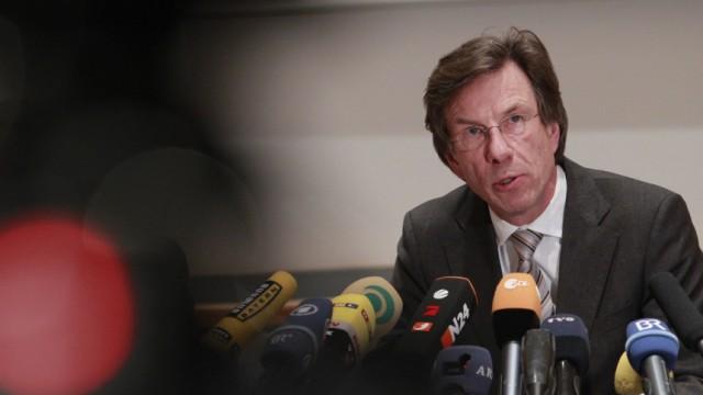 Universitaet Bayreuth entzieht Guttenberg den Doktortitel