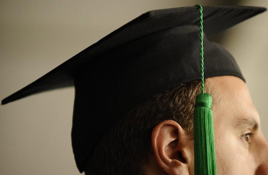 Kinderdienst: Professoren sollen Geld fuer Doktortitel genommen haben