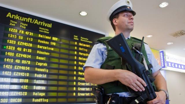 Erhöhte Sicherheitsmaßnahmen am Flughafen Schönefeld