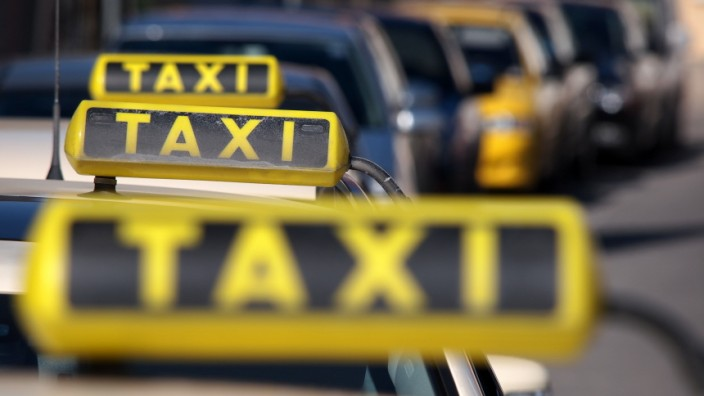 Bruck: Taxi-Stand am Hauptplatz