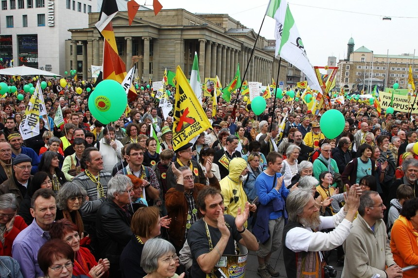 Anti-Nuclear Power Protestors Mobilize Around Germany