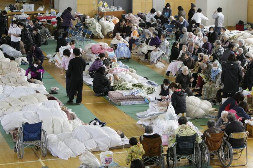Schweres Erdbeben erschüttert Japan - Notunterkunft
