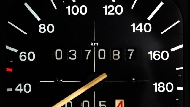 Dekra: Bis zu 30 Prozent der Gebrauchtwagen-Tachos manipuliert