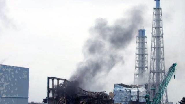 Atomkatastrophe in Japan: Aus Block 1 wurde am Montag verseuchtes Wasser abgepumpt, in den Blöcken 2 und 3 will man damit an diesem Dienstag beginnen. Nur wenn dies gelingt, können Techniker weiter versuchen, die Kühlsysteme der Reaktoren zu reparieren.