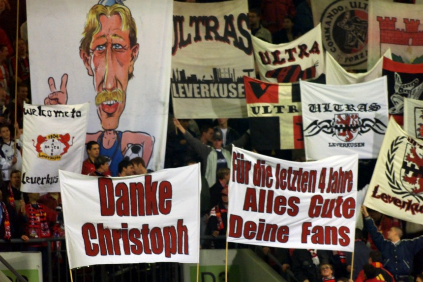 LEVERKUSEN'S SUPPORTERS THANKS FORMER COACH DAUM WHEN THEY SHOW BANNERS DURING A CHAMPIONSLEAGUE SOCCER MATCH IN LEVERKUSEN