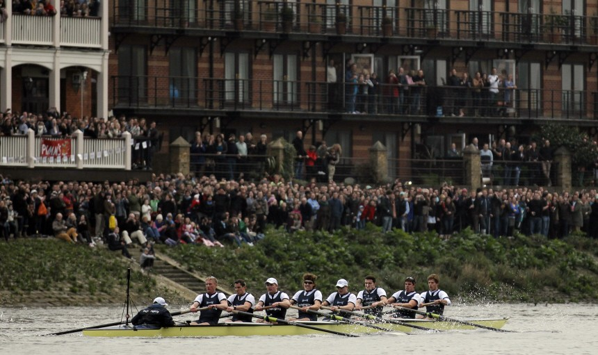 Oxford lead from start to finish to beat Cambridge in Boat Race