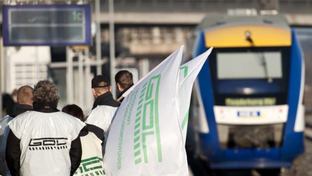 150 Lokfuehrer privater Bahnen im Streik