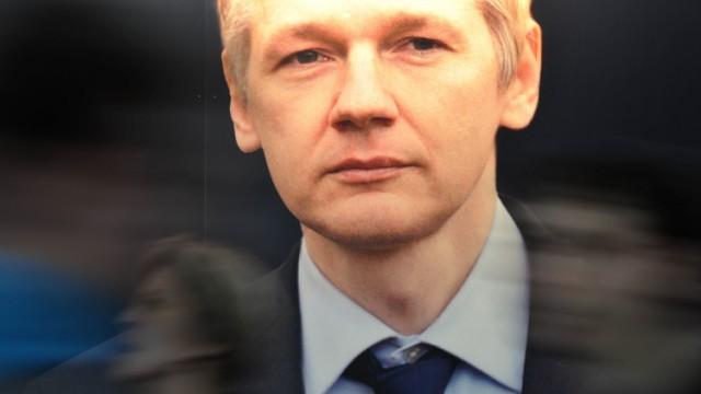 Leipziger Buchmesse - Julian Assange