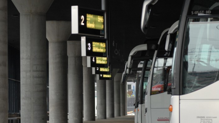 Fernbus, München, ZOB, Zentraler Omnibusbahnhof, Bus